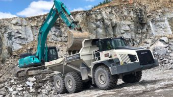 Kobelco SK500 and TEREX TA400 in the Žula Rácov company